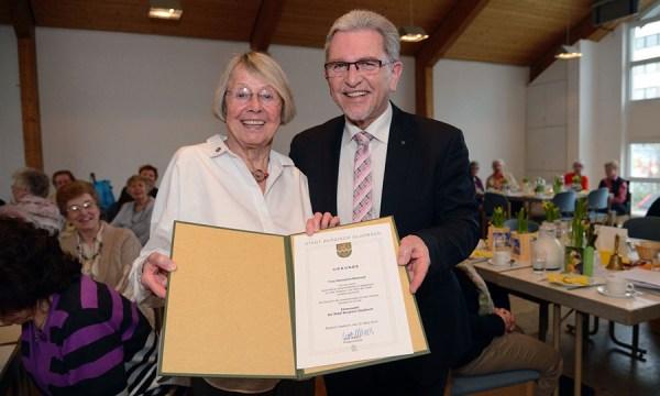 Hannelore Bertrand und der Erste Stellvertretende Bürgermeister Josef Willnecker