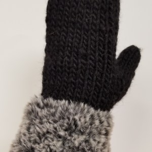 Furreal-trimmed-mitten