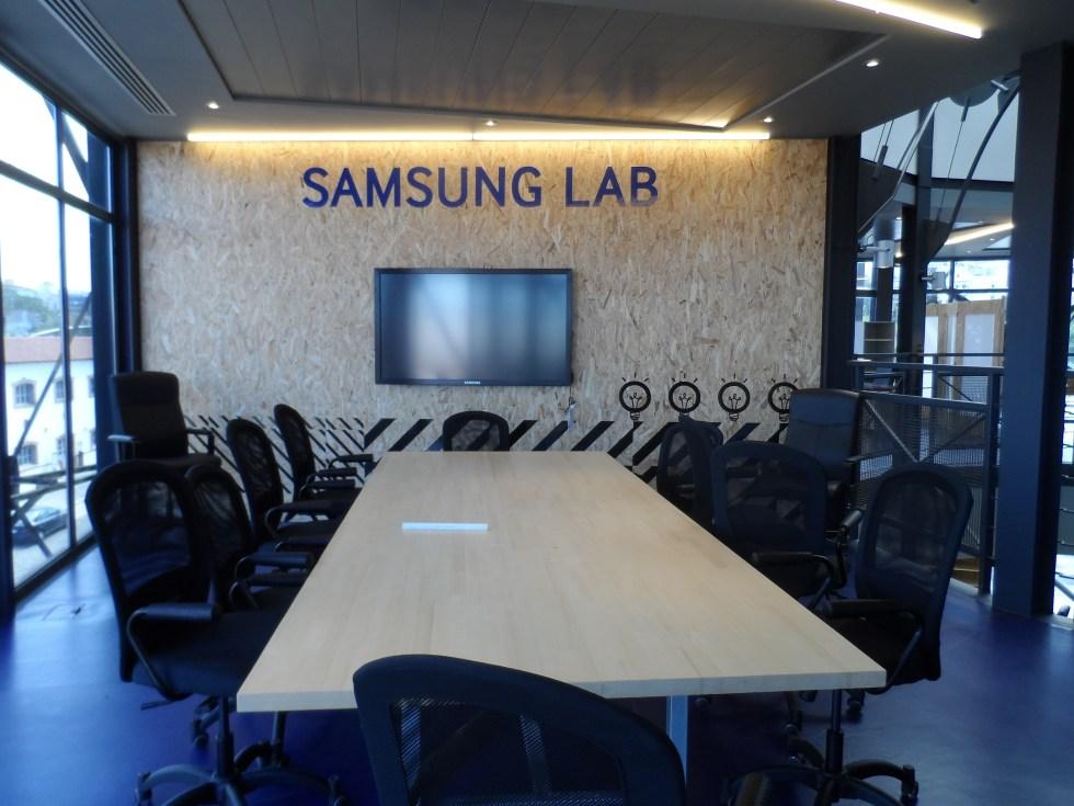 InnovAthens- Samsung Lab-in2mobile