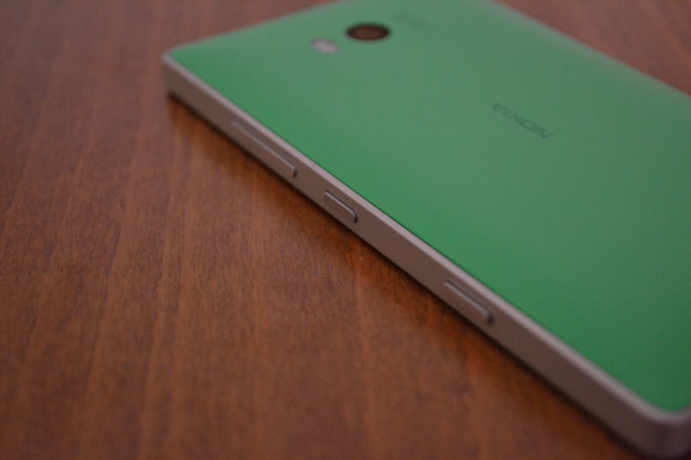 Nokia: Αρνείται επίσημα τις φήμες για κατασκευή κινητών τηλεφώνων.