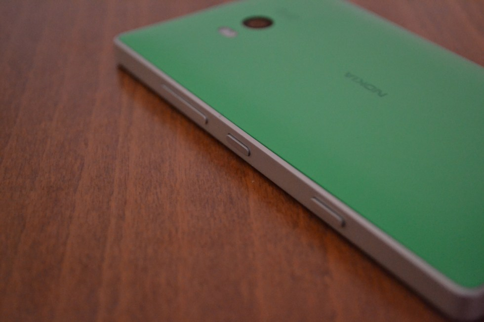 lumia-930-in2mobile-side-keys
