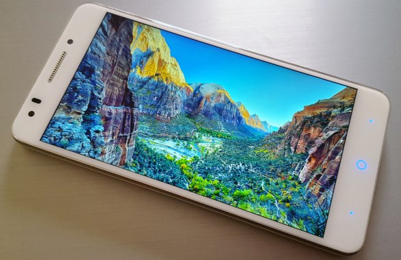 ZTE Blade A570 Review