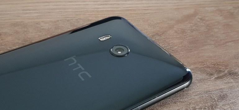 Η HTC συνεχίζει να χάνει χρήματα