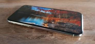 Samsung : Μειώνει την παραγωγή OLED οθονών για το iPhone X