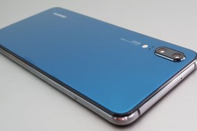 """Huawei P20 Review : Ο κάθε άλλο παρά """"μικρός"""" αδερφός"""