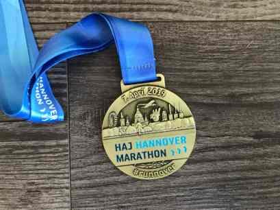 Vorderseite Medaille Hannover Marathon 2019