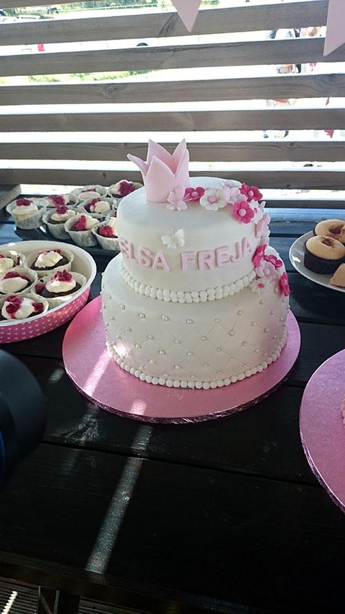 Tårta-vit