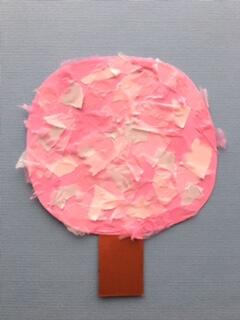 桜の土台に花びらを貼りつける