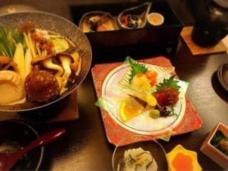温泉旅館の夕食