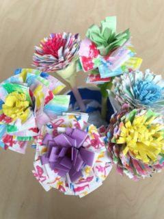 紙皿で作った花束