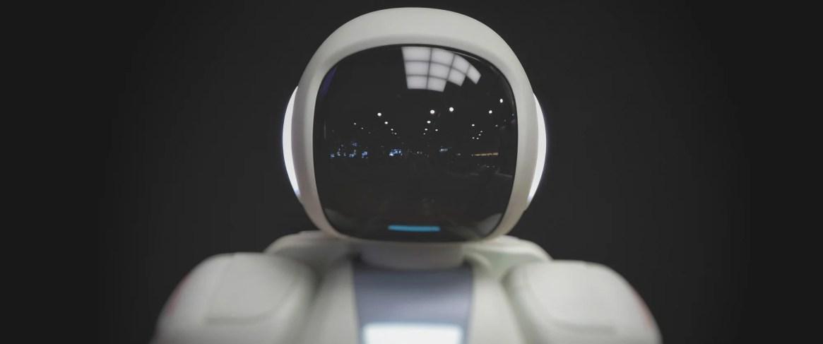 CE cheamă România să-și creeze propria Strategie națională în domeniul IA…