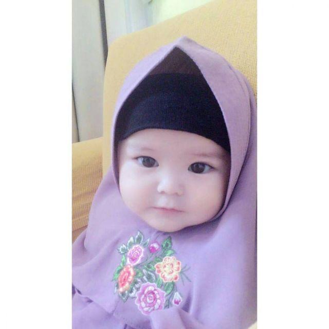 5 48 Naura Alaydrus, Bayi 1 Tahun yang Hits Karena Hijabnya, Seperti ini 12 Potret Lucunya, Gemesin Banget