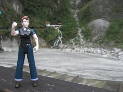 Rosie at the Changchun Shrine, Taroko Gorge.