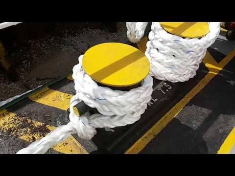 Tali kapal yang sudah di tarik atau di tambat