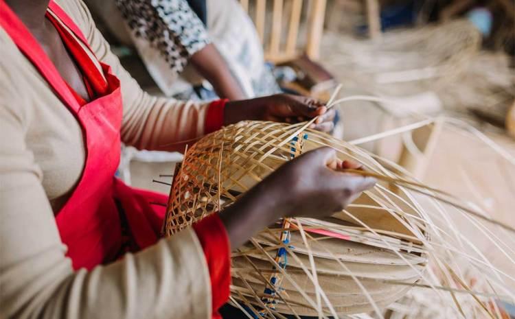 L'INAM ouvre l'assurance maladie aux artisans : 100 000 artisans bénéficieront d'une couverture santé dans les 3 prochaines années.