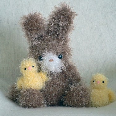 http://www.ravelry.com/patterns/library/fuzzy-bunny--chick