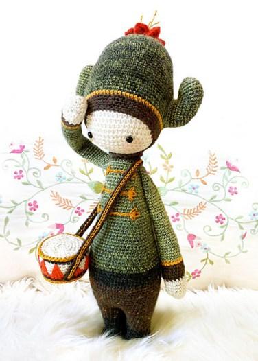 http://www.ravelry.com/patterns/library/carl---lalylala-crochet-pattern-n-iv---cactus
