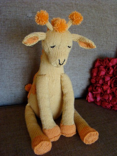 http://www.ravelry.com/patterns/library/giraffe-10
