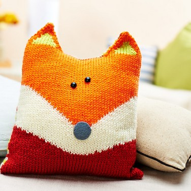 http://www.ravelry.com/patterns/library/oliver-fox