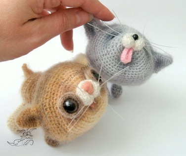 http://www.ravelry.com/patterns/library/020-kittens-amigurumi-cat-ravelry
