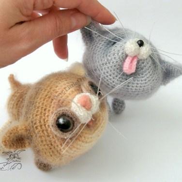 http://www.ravelry.com/patterns/library/020-kittens-amigurumi-cat-ravelry
