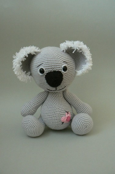 http://www.ravelry.com/patterns/library/koala-bear-crochet-pattern