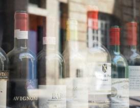 """""""Open Bottles"""" (The Wine Bar Rue des Bahutiers, Bordeaux) © R.S. Whitney 2016"""
