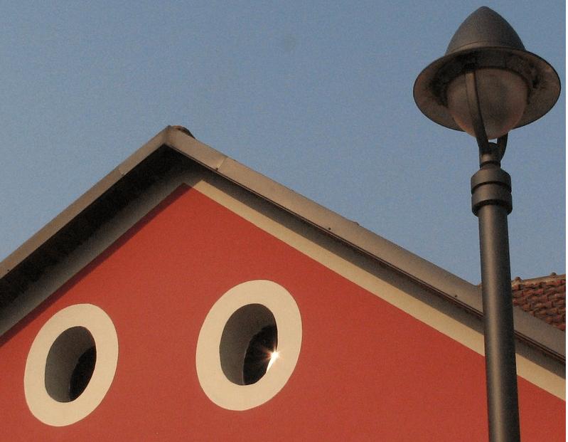 OCCHIO ALL'ARCHITETTURA.