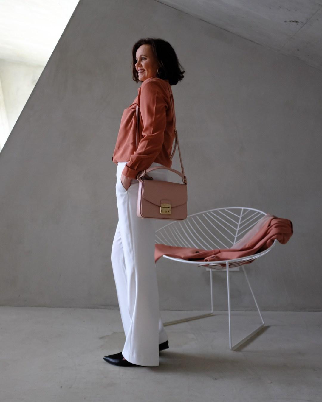 inastil, Trenchcoat, Springcoat, Frühjahrsmode, Stilberatung, Ü50Mode, Modeberatung, Frühlingsfarben, Modeblogger-17