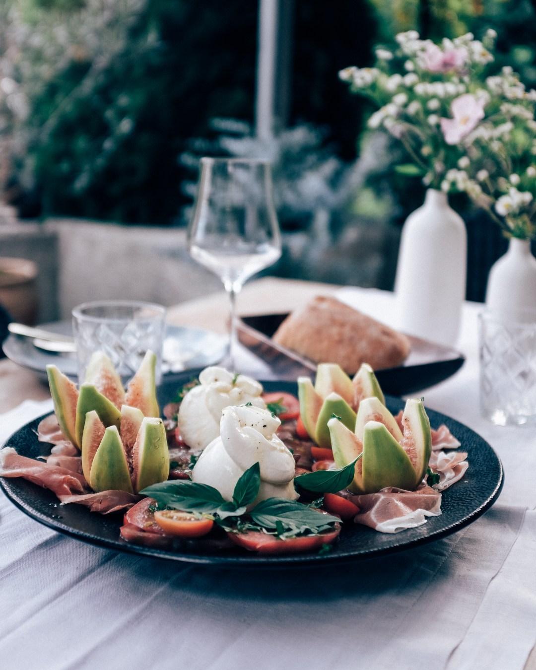 inastil, tomaten, feigen, mein Garten, erste Ernte, Gartenfrüchte, Sommerabend, Nektarinenkuchn, Sommerzeit, Ü50Blogger, Rezept-15