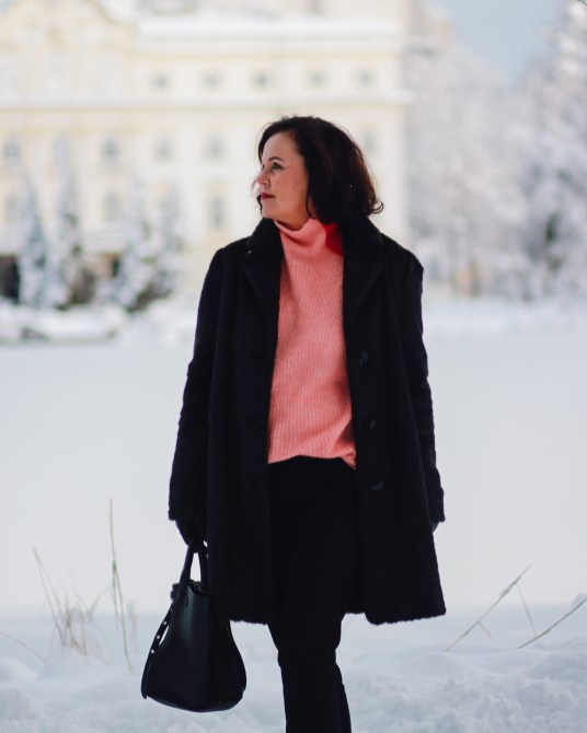inastil, fashion, Wntermode, Leopoldskron, Salzburg, livingcoral, pantone, rosen, rosa, Pullover, Ü50Mode, ageless, ü50blogger,_-8