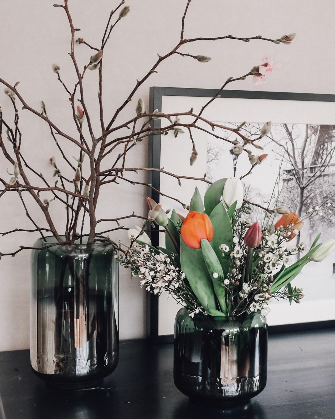 inastil, fühlingsdekoration, magnolien, Karomantel, Ü50Mode, Stylingtipps, Modeberatung, Übergangsmantel, Blazermantel, Hallein, Frühling-4