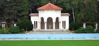 """Ivan Mestrovic's  """"History of Croatians"""" stolen Sculpture still in the royal park in Belgrade, Serbia"""