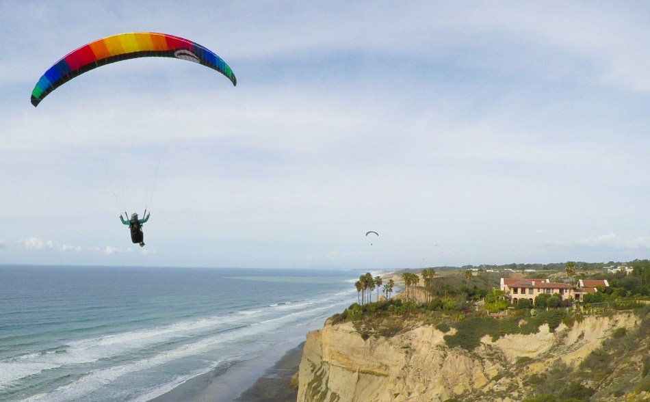 wes-paraglide03