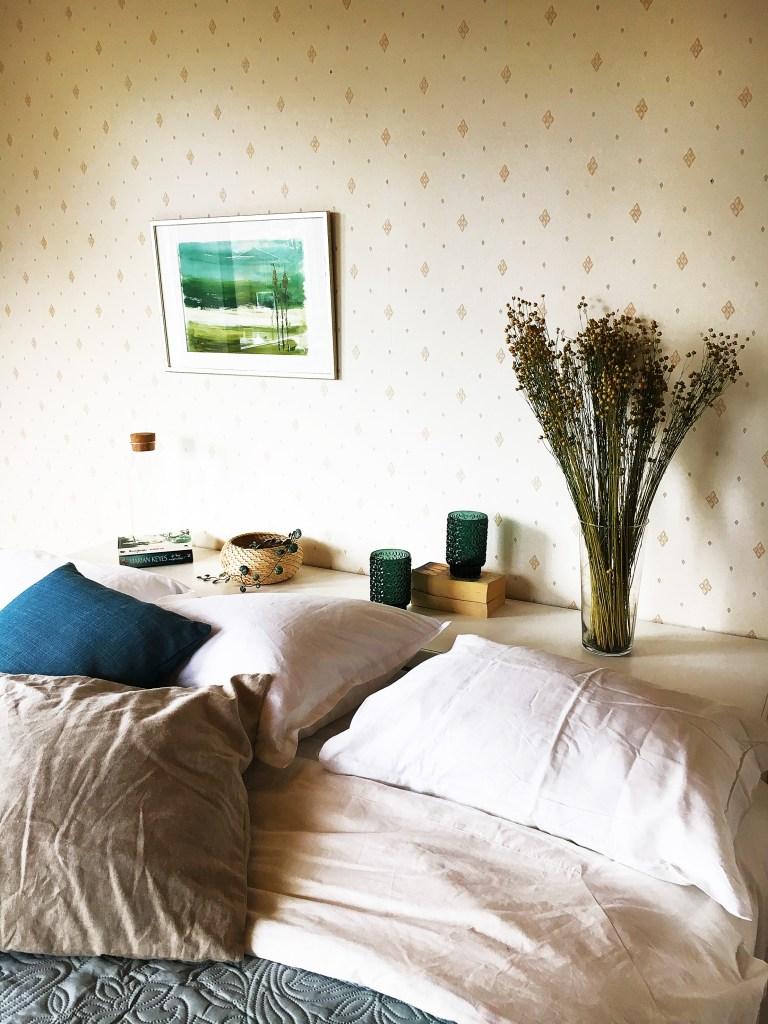 Vi hjälper dig styla din lägenhet med möbler och produkter inför försäljning.