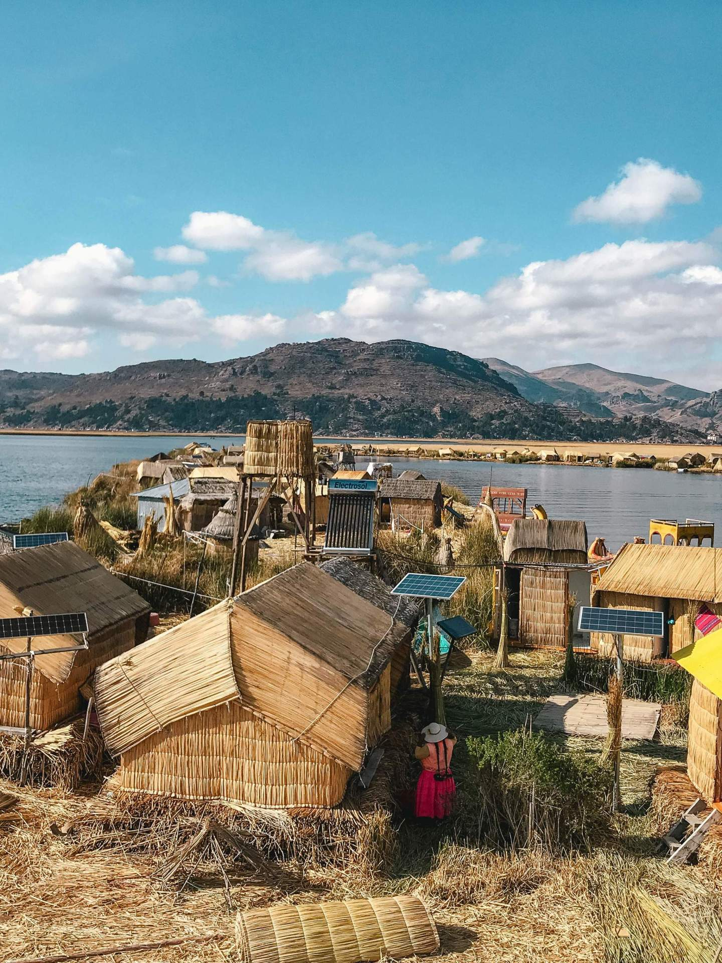 Uros-Islands Homestay-Review-Titicaca-Sariri-Lodge-2