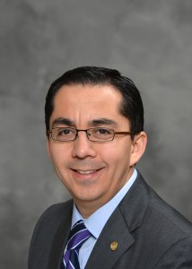 Dr. Roberto Coronado