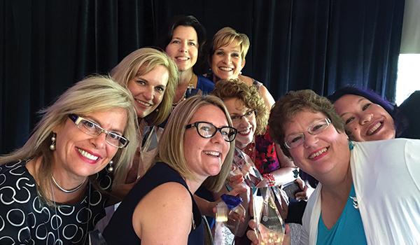 2015-Desert-Diamond-Winners-selfie
