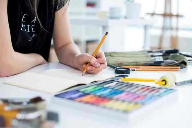 artist-prototyping-sketching