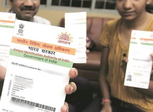 Aadhaar Case Becomes More Gripping: SC Asks UIDAI CEO To Prepare Presentation For Eliminating Aadhaar Misgivings