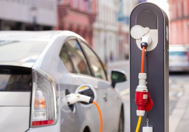 Govt. To Grant Incentives To Cities For Faster Adoption Of Electric Vehicles Under FAME India Scheme