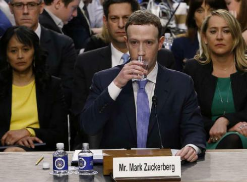 as-whatsapp-facebook-issue-settles-down-zuckerberg-sparks-another-controversy