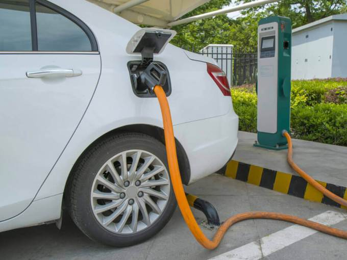 Electric Vehicles This Week: India-Japan Collaborate On EV Development, BYD-Goldstone To Create 10K jobs In India And More