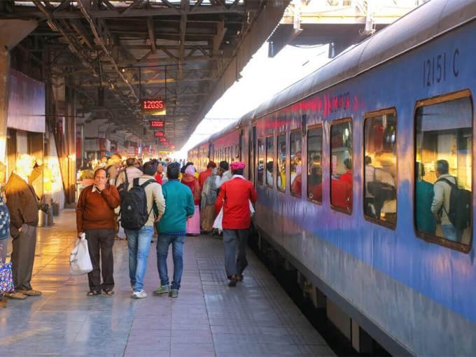 Northern Railways To Keep Cleanliness Check Via WhatsApp