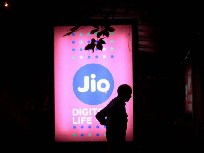 Facebook Likely To Acquire 10% Stake In Reliance Jio