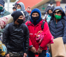 950 bolivianos retornaron a su país tras ser refugiados por INCAMI