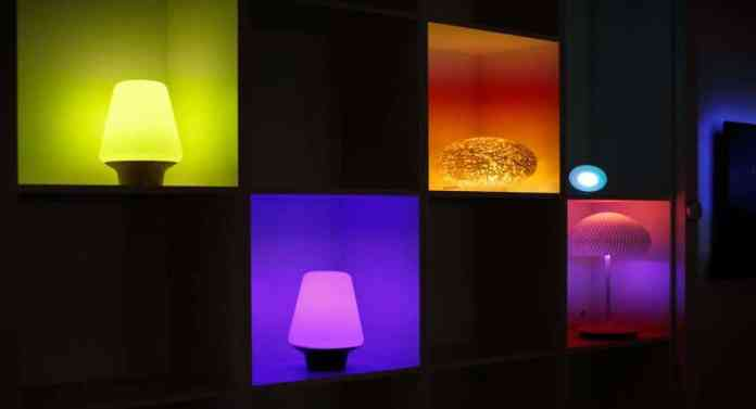 lampi colorate Philips HUE