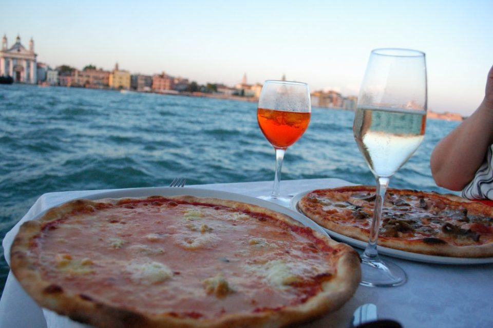 pizza with a view at Do Mori on Giudecca