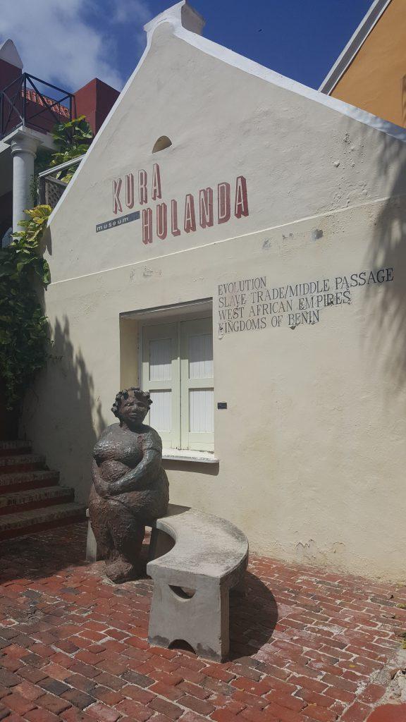 kura hulanda museum entrance