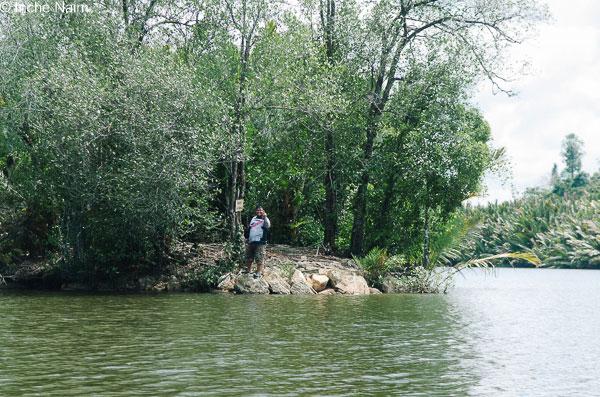 Bigfoot yang ditemui merayau-rayau di hutan bakau berhampiran.. wakaka!